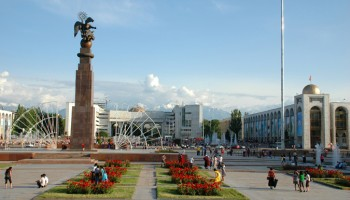 The-main-square-of-Bishkek675